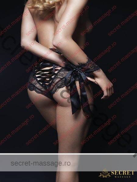 Tied up Erotic Massage Saloon, Salon Masaj Erotic legat